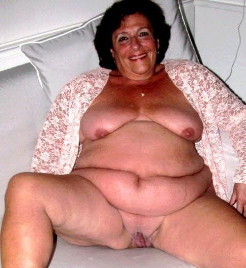 Horny older women near me-7177