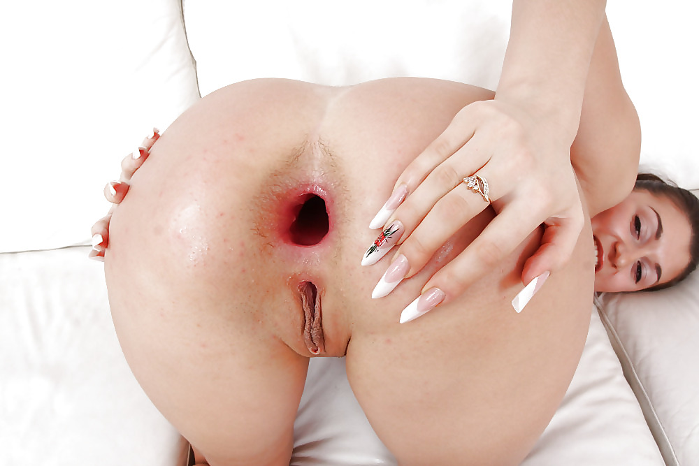 Anus of beautiful futanaritures — pic 4