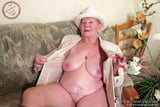 OmaGeil Hot collection of the sexy grannies