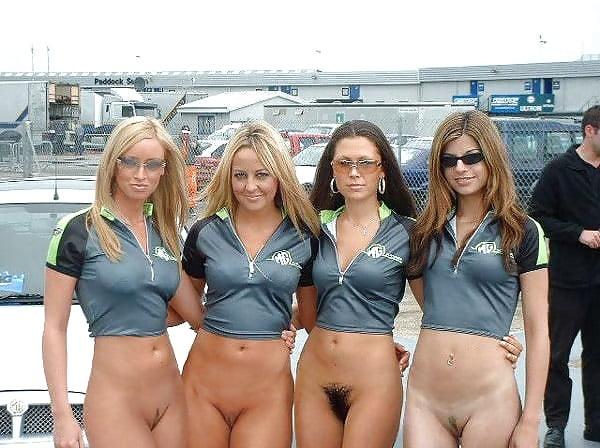 foto-topless-devki-na-avtogonkah-bez-trusov
