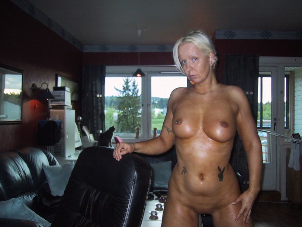 Mature Naked Shemale In Public