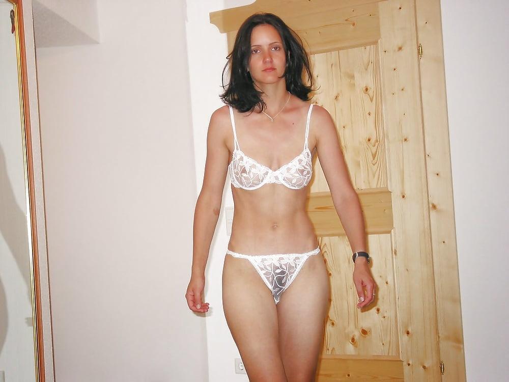 Домашнее частное фото русских жен в нижнем белье