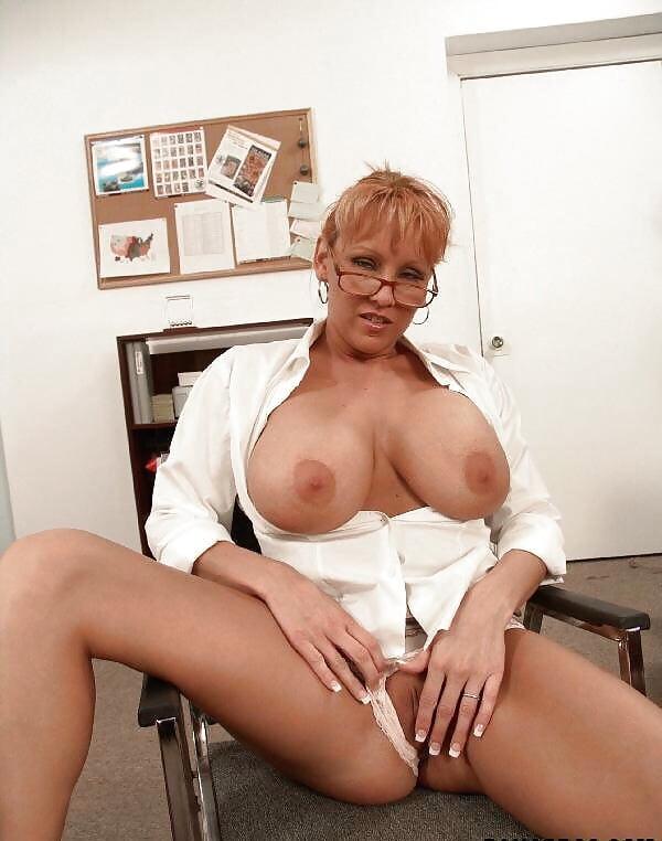 порно видео старушки секретарши что если