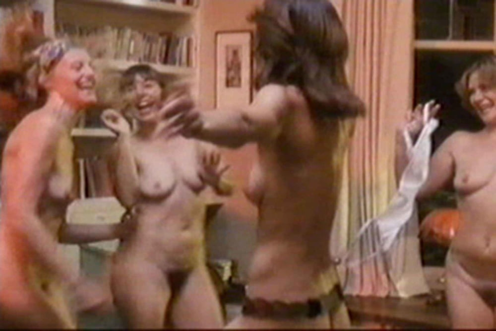 Annabelle apsion nude fake pics mobile optimised photo for android iphone