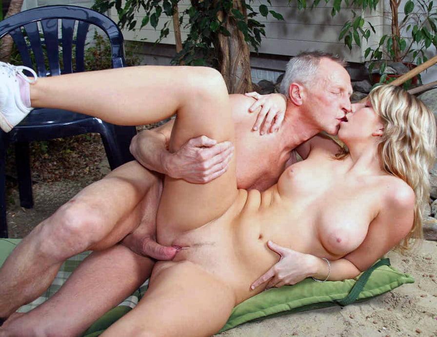 vzroslie-muzhchini-i-molodaya-seks-video-puhlie-devushki-golie-foto