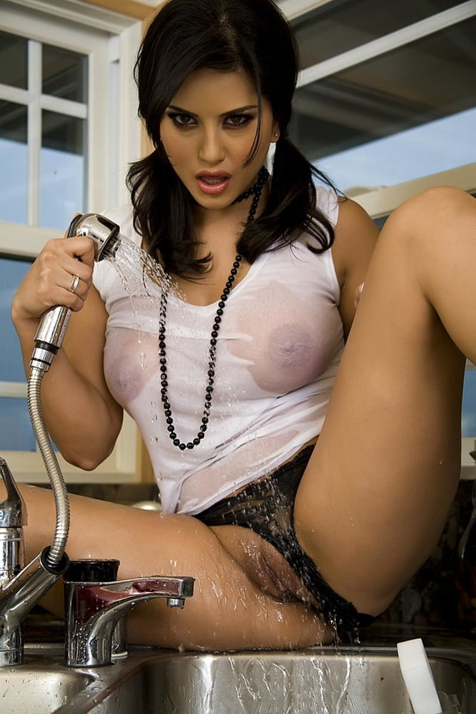Sunny leone pussy hot sexy #2