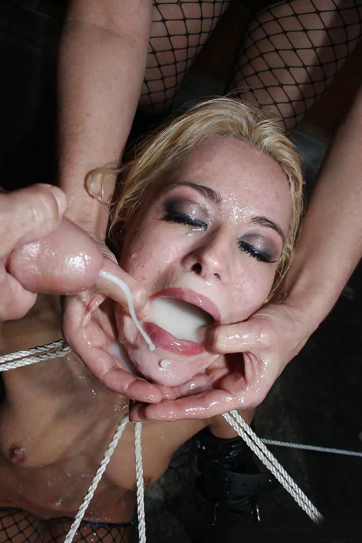 Порнуха связанная девушка в сперме перед