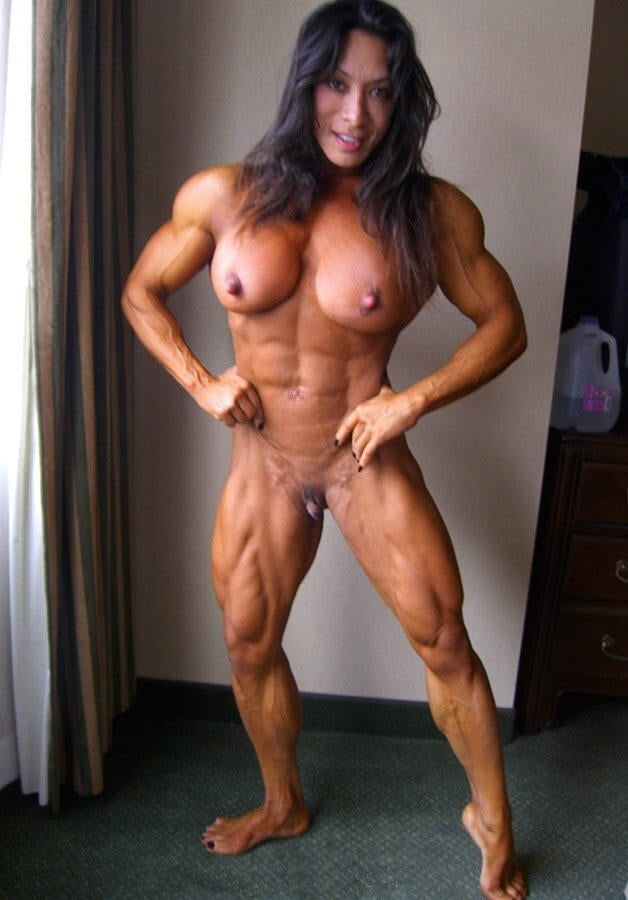 Nude muscle women tease — 9