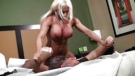 dominant-muscle-sex-girl-story-petite-lesbian-lust