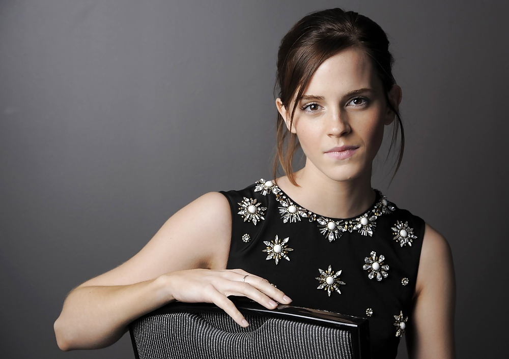 Emma Watson - JackinChat: Free Masturbation Community for