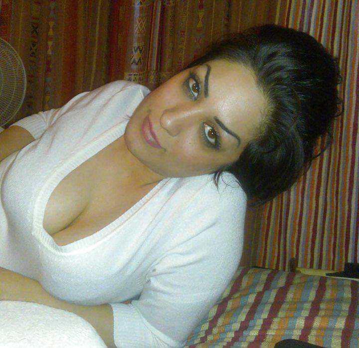 beautiful-arab-naked-hooker-babe