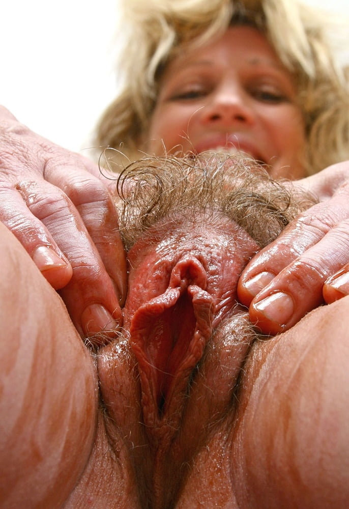 Mature vulva pictures — photo 10