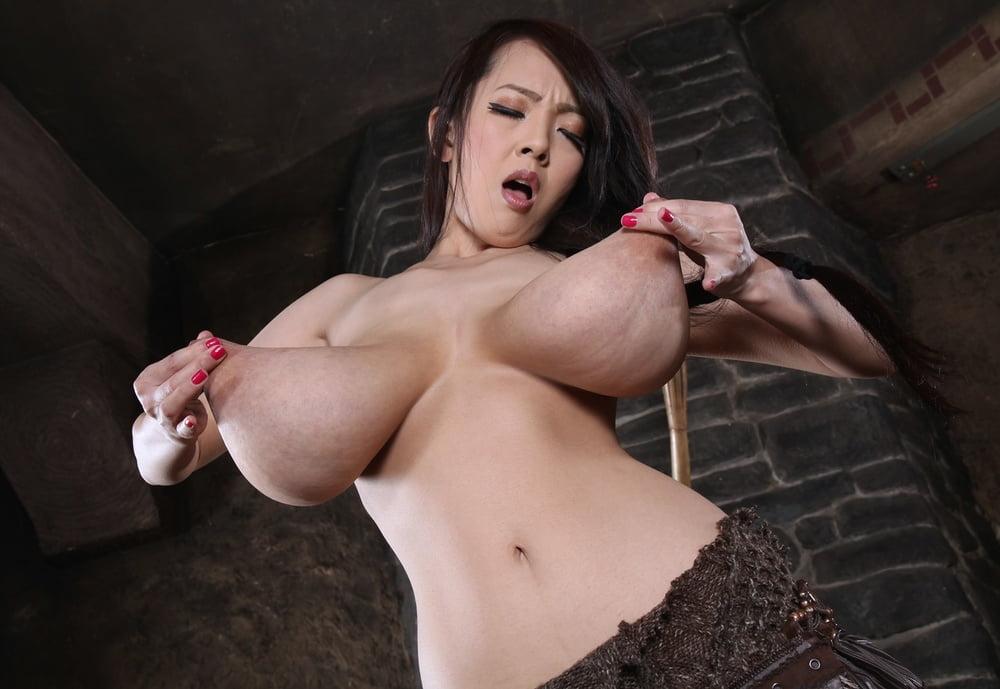 Hitomi tanaka big tits gallery