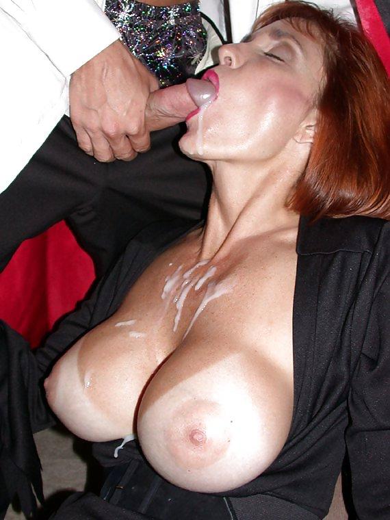 sexy-redhead-mom-cums-cumming-ebony-pussy-having