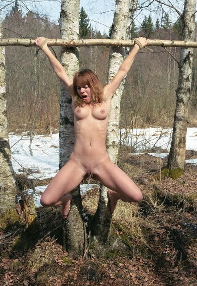 Женщины порно распятые фото