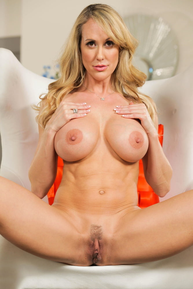 Brandi love is getting naked in the shower and wet