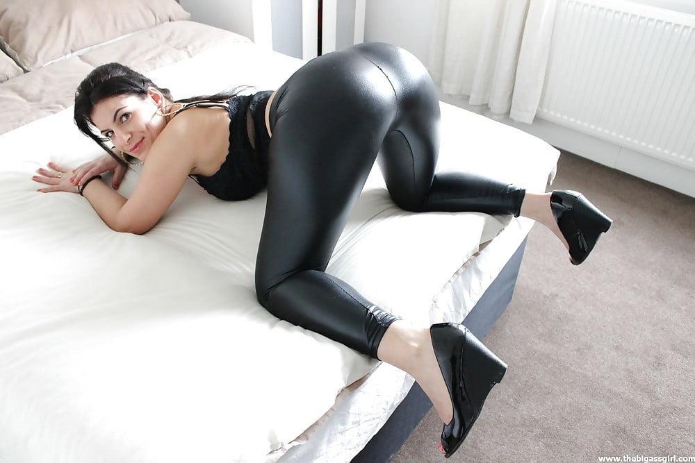 Candid spandex leggings fetish porn pic