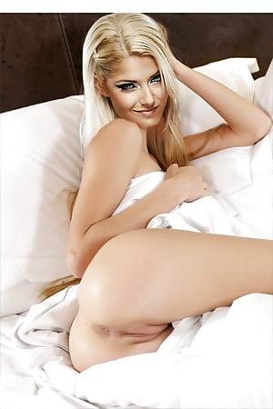 Alexa bliss nackt fotos