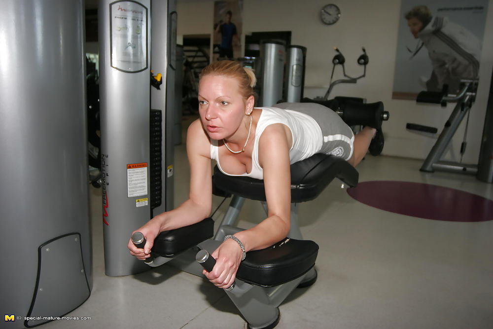 Naked girls doing gym