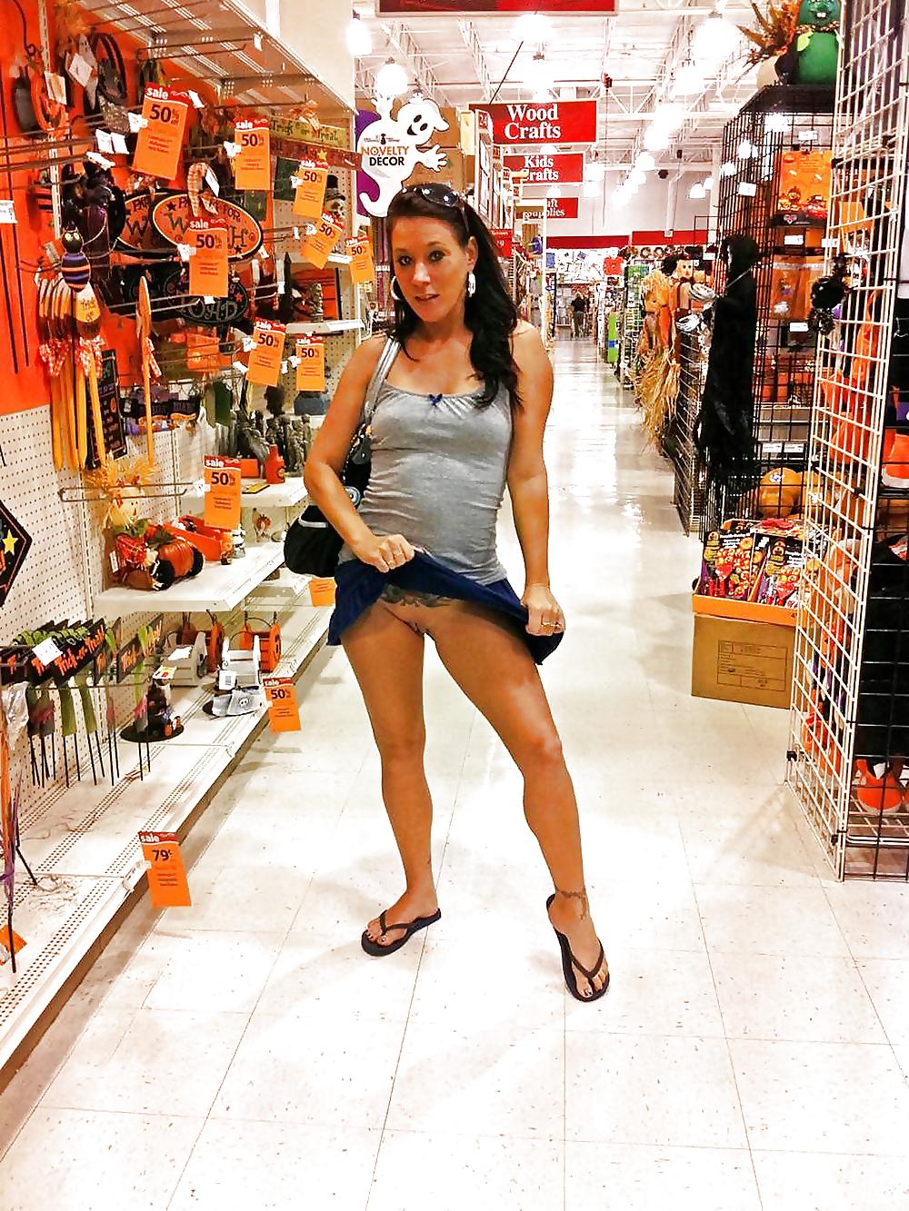 girl-fuck-naked-women-at-stores-fucking-hard