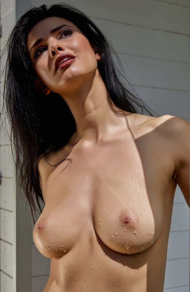 good-looking-nude-bitches