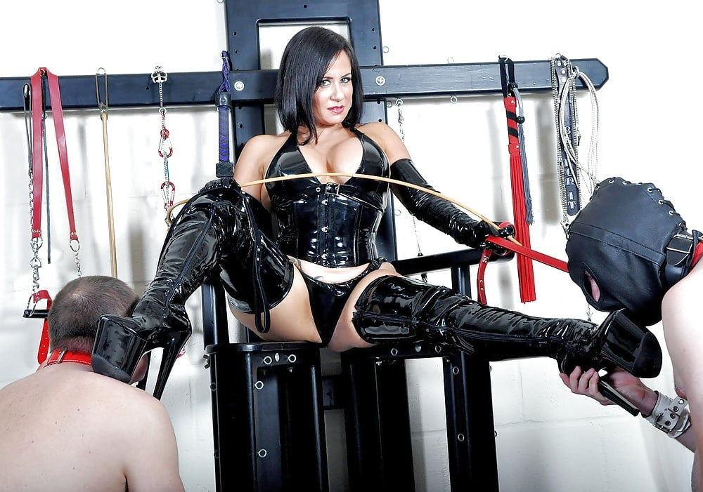 Mistress R'eal- 9 Pics