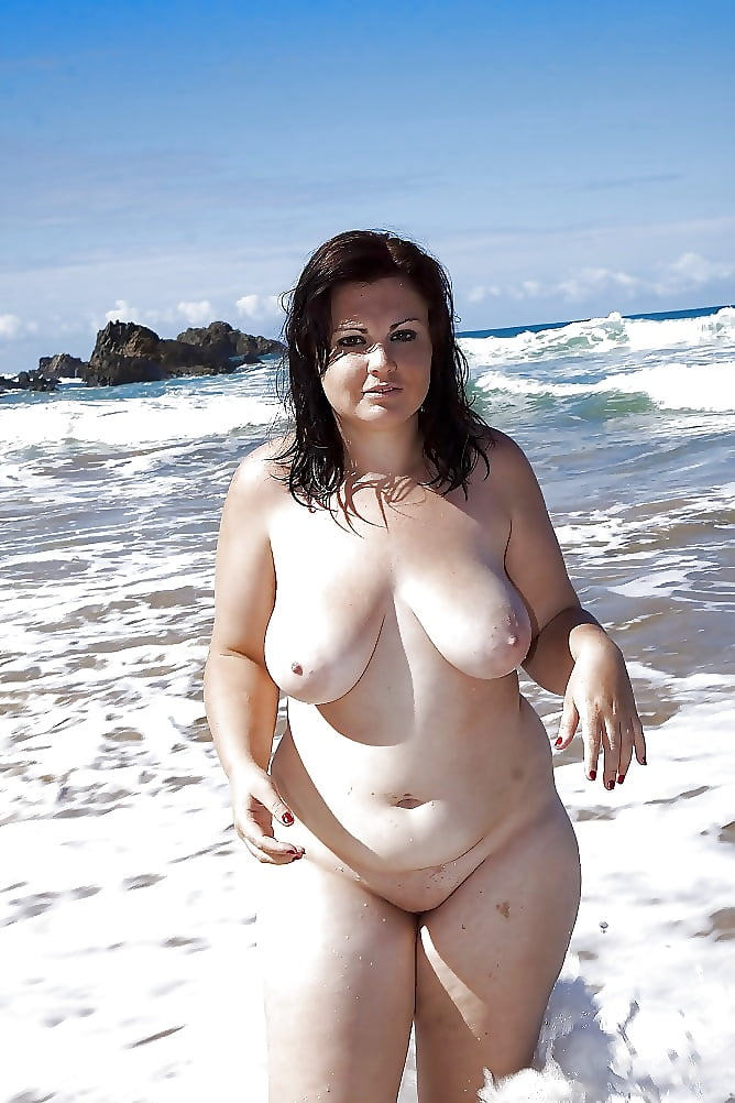 indiaxxx-foto-topless-girl-chubby-titted-facial