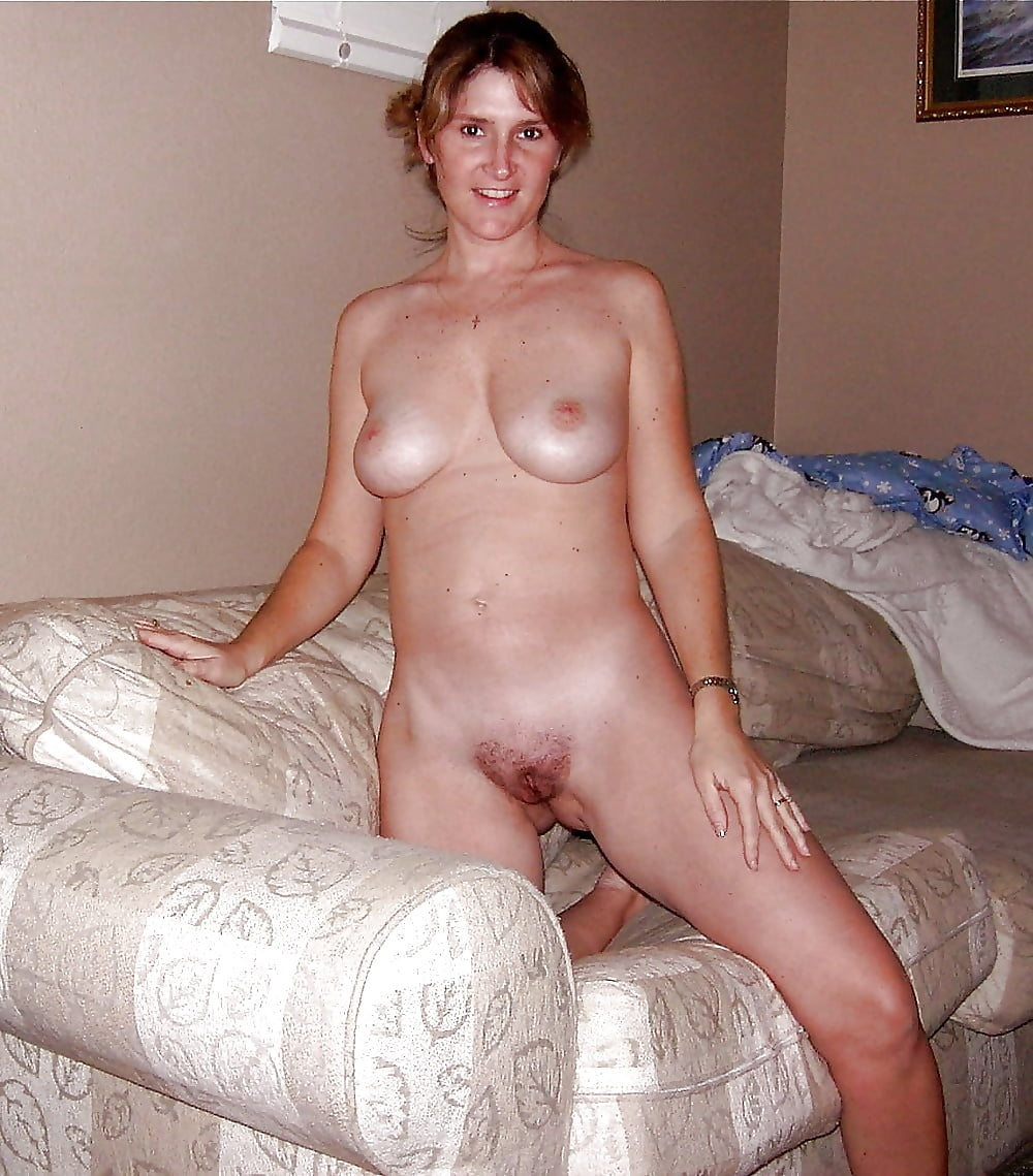 mousey-wife-nude