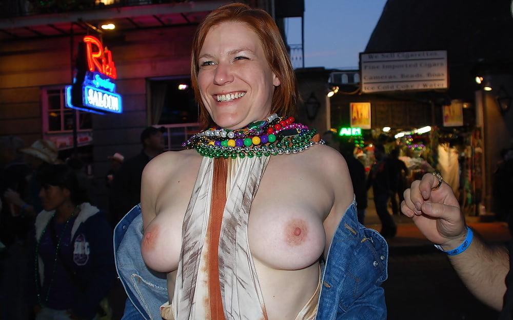 Mardi gras nude naked women — pic 1