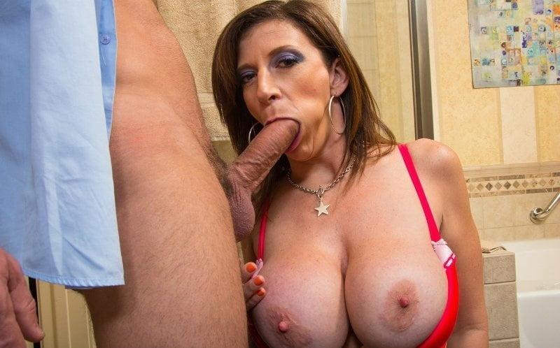 Mature big boobs blowjob