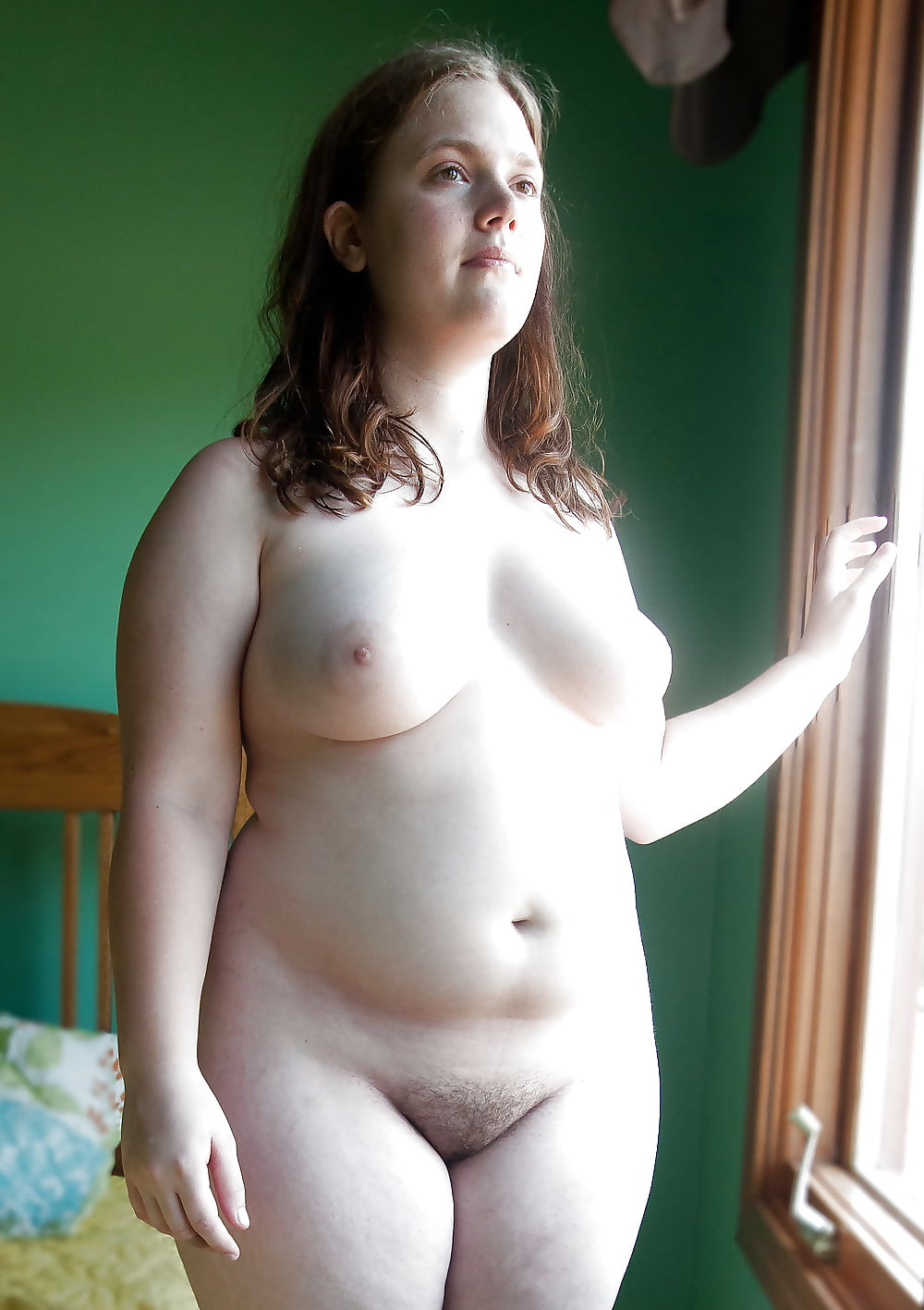 Chubby young girl dancing naked — pic 14