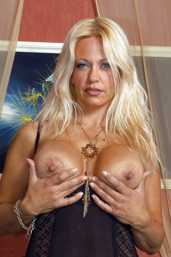 Gallery bridget the midget titties