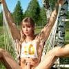 Jennifer Lawrence and Taylor Swift 4