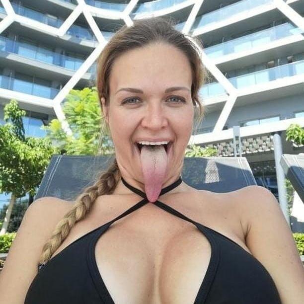 Long Tongues Babes - 33 Pics