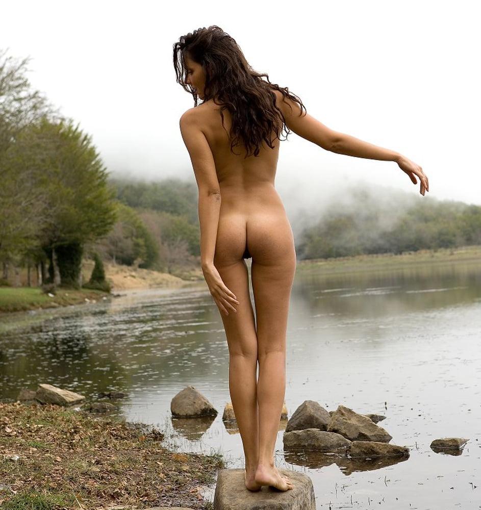 Beautiful nude svetlana pink toenails