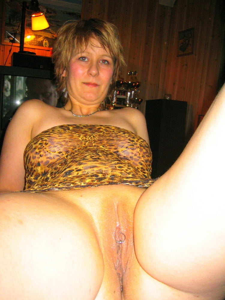 Almighty Bitch Like To Show - 10 Pics