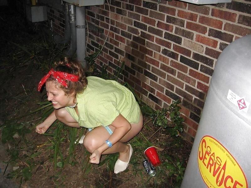 писсинг пьяных женщин
