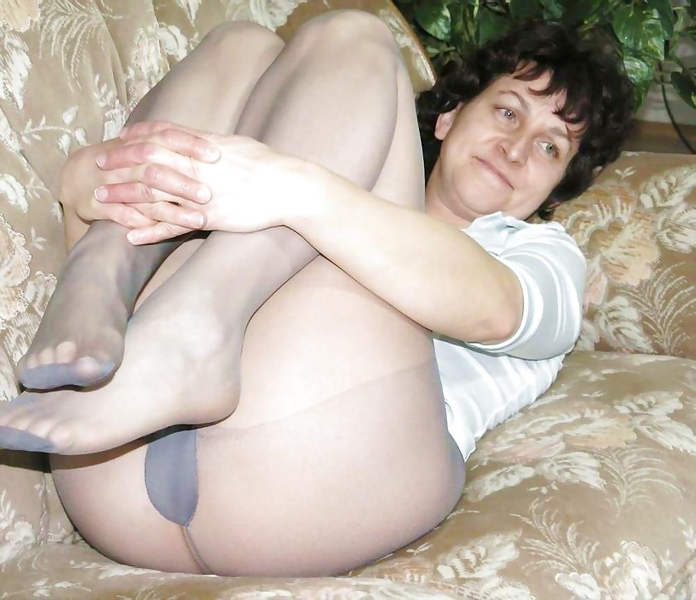 Mature Women Naked In Pantyhose