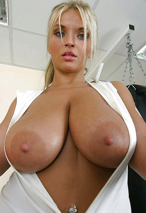 sexy-milf-big-boobs