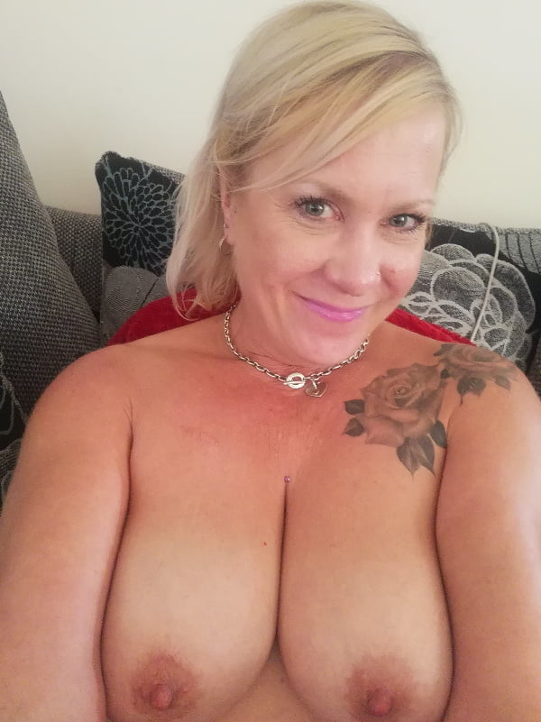 Nicola, sexy Milf from Norfolk- 22 Pics