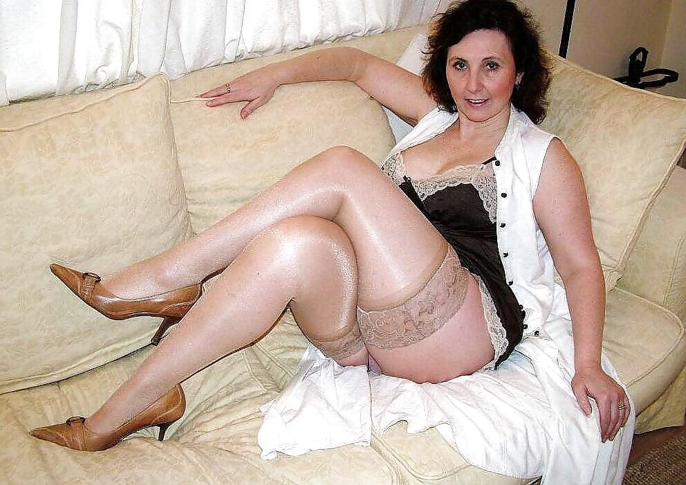 Sexy Mature Ladies Wearing Panties