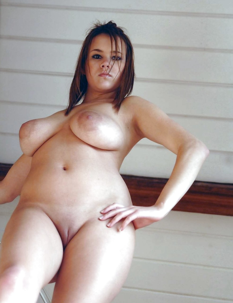 Amateur latina cleaning lady