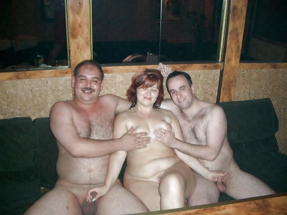 Жена голышом с друзьями чесси мур секс