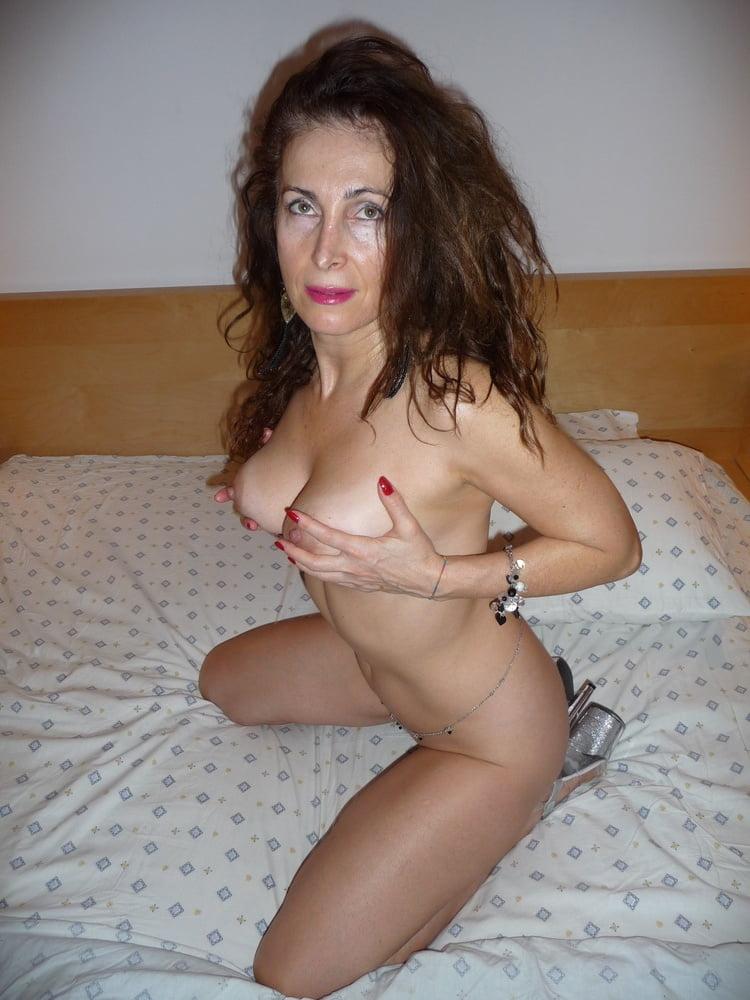 Sexy Older Mature - 41 Pics