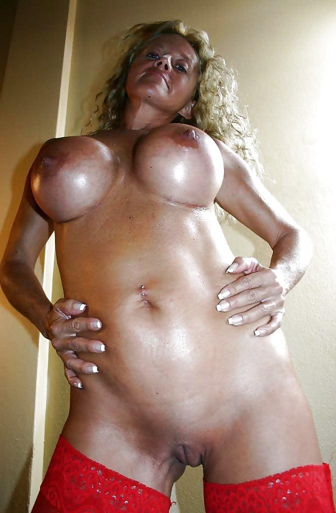 Огромные силиконовые сиськи зрелых женщин фото