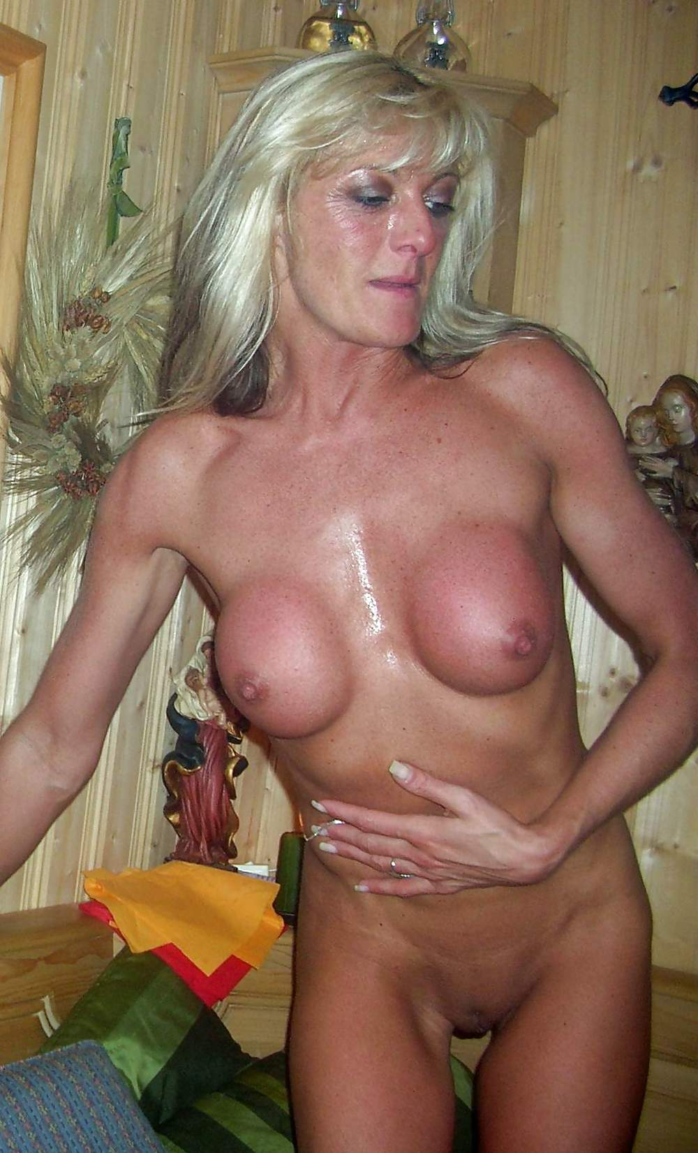 Hot and horny mature galleries