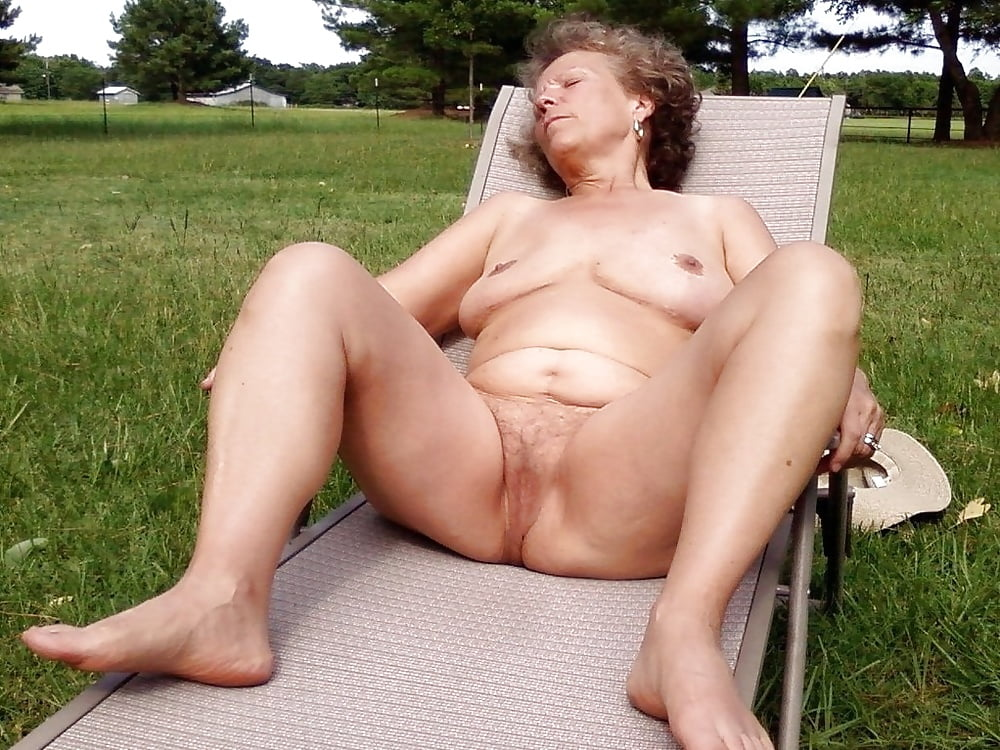 Mature nude woman galleries movie