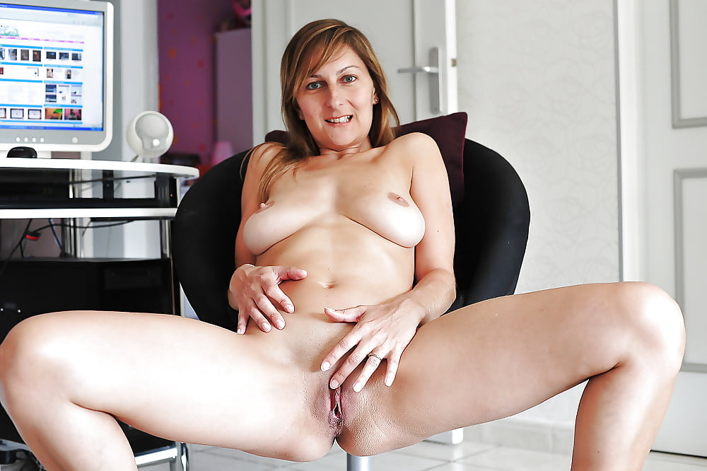 Mature naked women vids 9