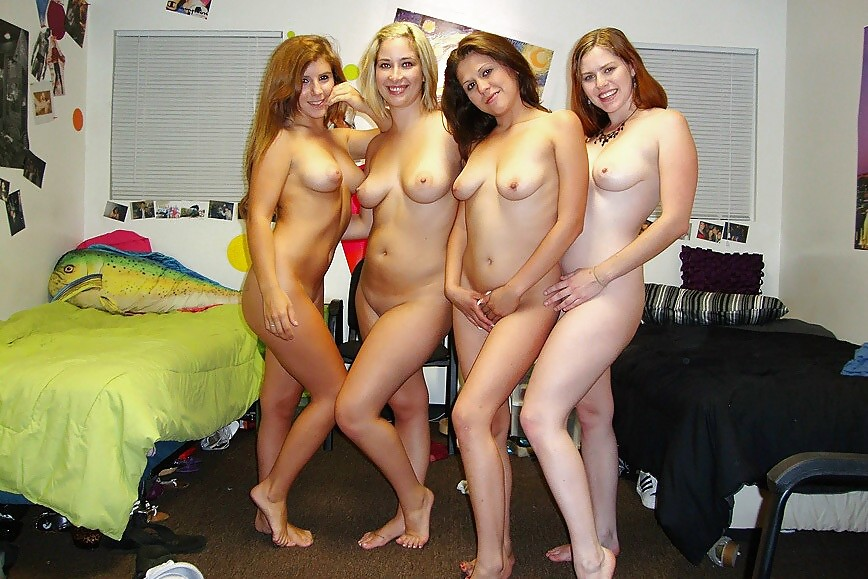 college-girls-get-naked