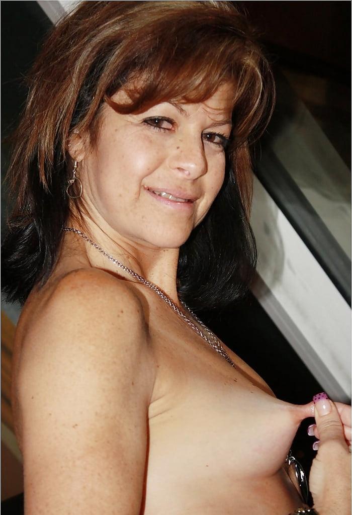 Amateur mature milf hard nipples